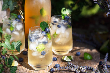 10 Refreshing Lemonade Cocktails To Try This Summer
