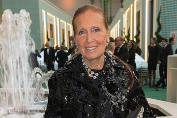 Internet All Atwitter Over Danielle Steel's 20-Hour Workday