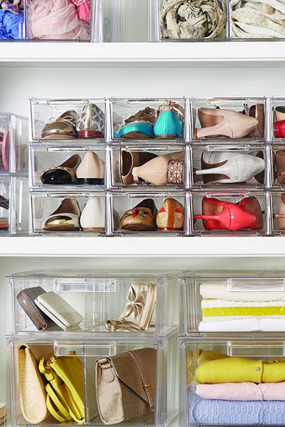 Put Accessories Away Into Boxes