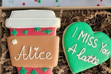 Sweet 'I Miss You' Gifts To Send Your Loved Ones