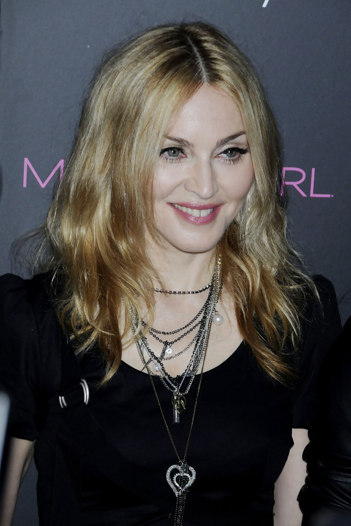 Madonna S Shoulder Length Hairstyle Gorgeous Hairstyles